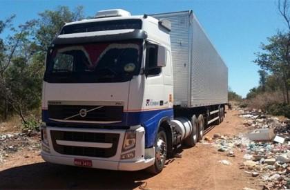 PM localiza caminhões tomados de assalto em Floriano