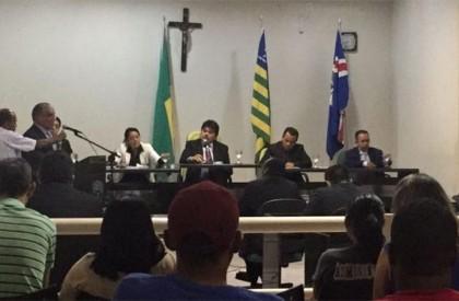 Tentando inviabilizar gestão, oposição de Barras afronta Constituição Federal