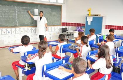 Educação abre processo seletivo com 368 vagas para professor...