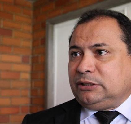 Evaldo quer que Firmino explique desapropriação de...