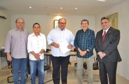 Barras e São Miguel do Tapuio recebem sinalização de trânsito