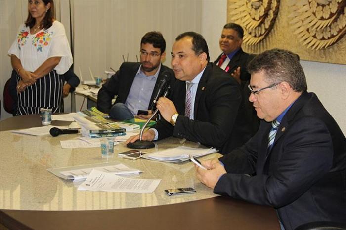 Evaldo Gomes diz que Robert o ameaçou durante sessão na CCJ