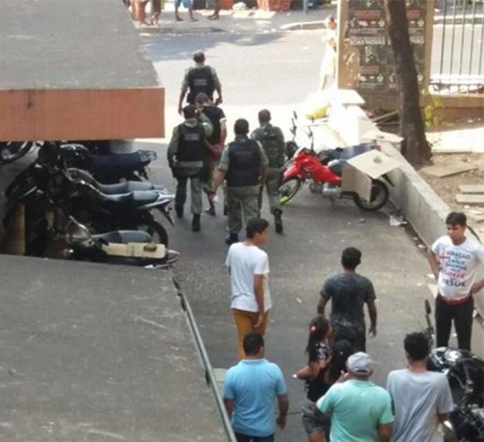 Fiscal do Carvalho é esfaqueado por morador de rua em THE