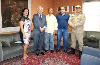 Militares apresentam proposta de reajuste a deputados estaduais