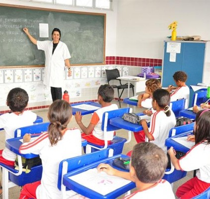 Semec convoca mais 35 professores classificados em...