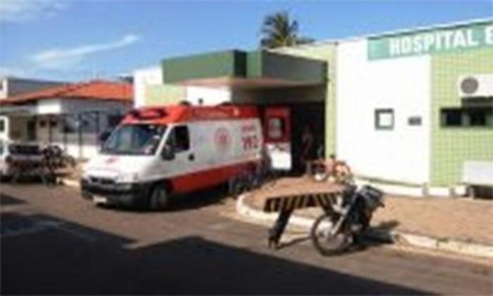 Mulher morre em hospital após ser esfaqueada pelo marido
