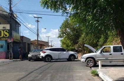Três veículos se envolvem em acidente na zona sudeste de THE