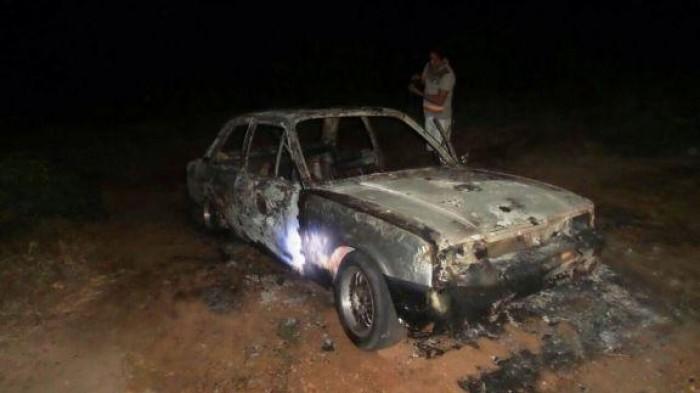 Carro incendeia e fica destruído na BR-343 em Parnaíba