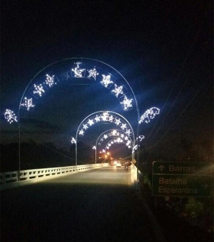 Confira fotos da decoração natalina de Barras