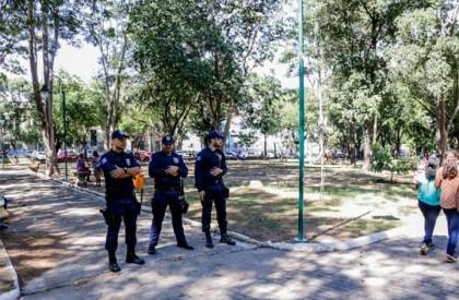 Guarda Municipal realiza ação para apreender celulares e drogas no Centro