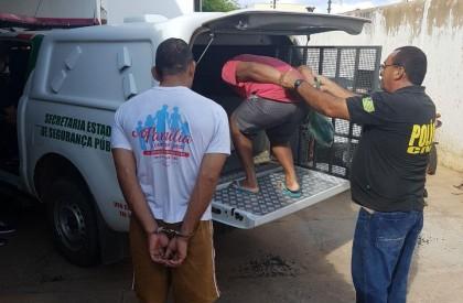 Operação prende 8 por porte de armas e rinha...