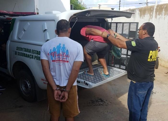 Operação prende 8 por porte de armas e rinha de galos