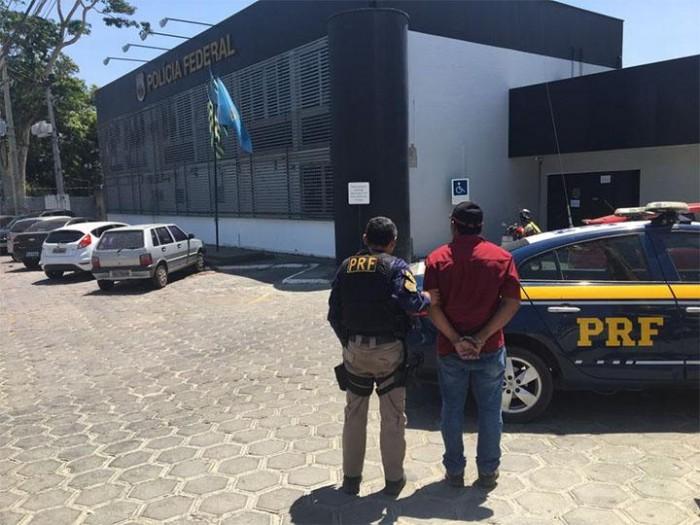 PRF prende homem com CLRV com suspeita de fraude