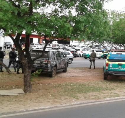 THE: Bandidos sequestram gerente a assaltam BNB...