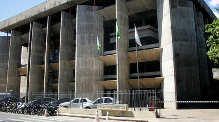 TJ-PI suspende liminar que validava concurso da Prefeitura de Barras
