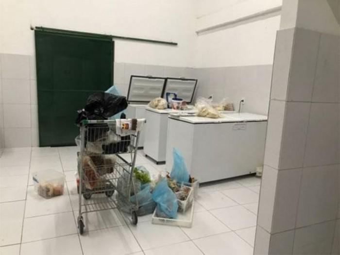 Vigilância Sanitária faz grande apreensão de alimentos vencidos em supermercados