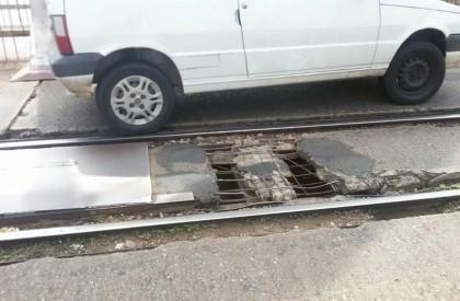 Buraco na Ponte Metálica assusta motoristas que passam no local