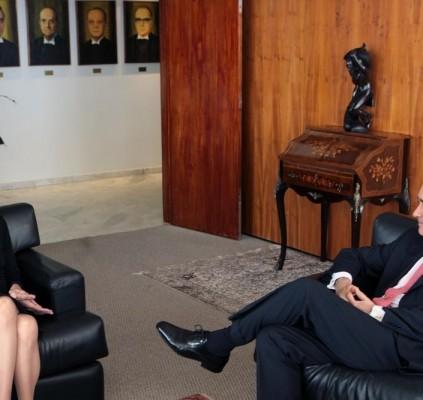Cármem Lúcia se reúne com presidente do...