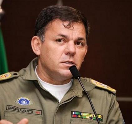 Comandante suspende portaria que atribuía investigação à...
