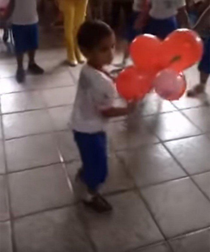 Criança de três anos morre após sofrer descarga elétrica em  Barras