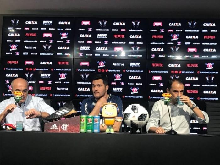 Flamengo anuncia retorno do goleiro Júlio Cesar