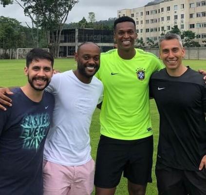 Flamengo aprova salário e Love tentará liberação...