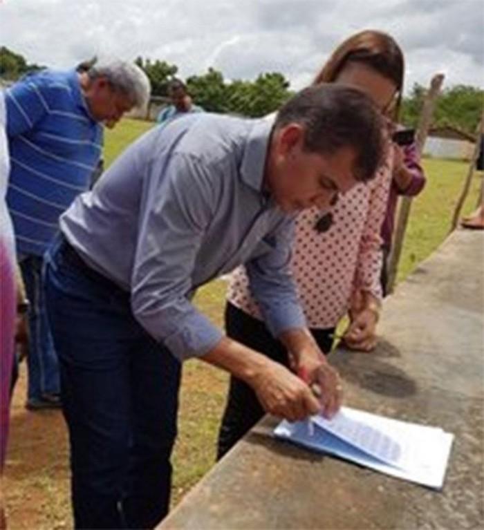 Fundespi assina ordem de serviço para reforma do Estádio de Passagem Franca