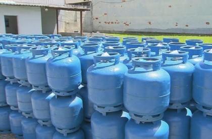 Preço do botijão de gás cai 5% nas refinarias nesta sexta