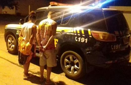 PRF prende suspeitos de roubar caminhão da Coca-Cola em...