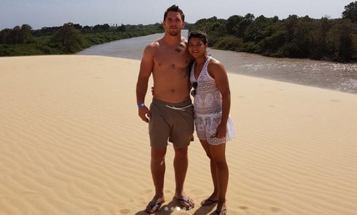 Sarah Menezes curte férias no litoral do PI ao lado do namorado