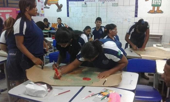 THE: escolas abrirão mais de 4 mil vagas para Educação de Jovens e Adultos