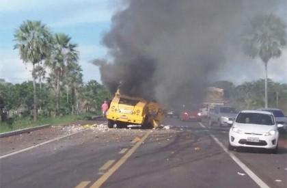 Bandidos explodem carro-forte entre Altos e Campo Maior