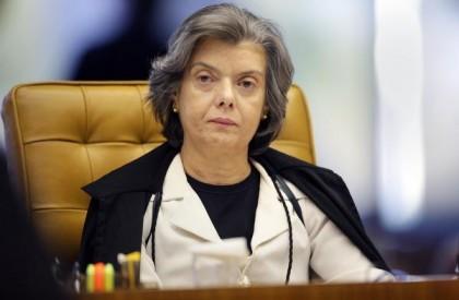 Carmén Lúcia mantém suspensão de posse de Cristiane Brasil