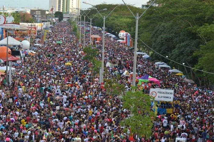 Corso de Teresina reúne mais de 400 mil pessoas