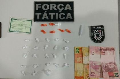 Homem é preso após esconder drogas no telhado de...