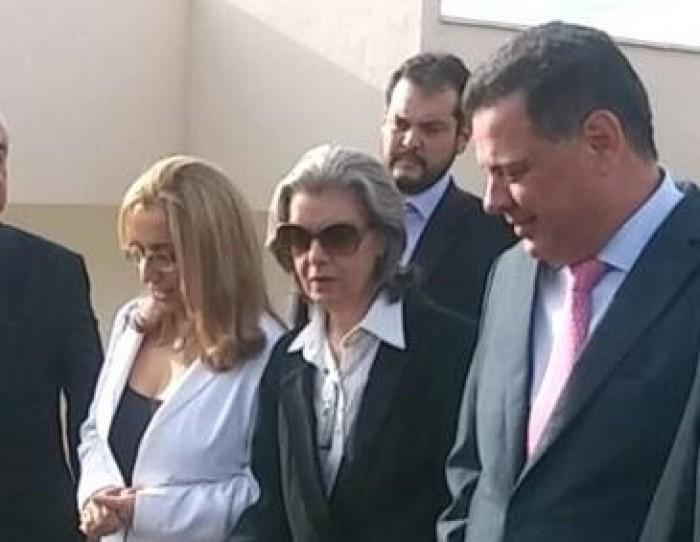 Judiciário tem 'débito enorme com a sociedade', diz Carmém Lúcia