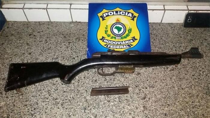 PRF prende homem por porte ilegal de arma de fogo em Parnaíba