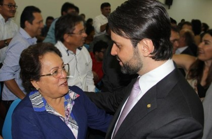 Professora Socorro solicita a ministro benefícios para Timon