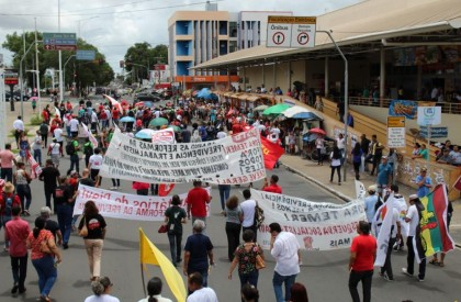 Servidores municipais aprovam greve para dia 08 de março