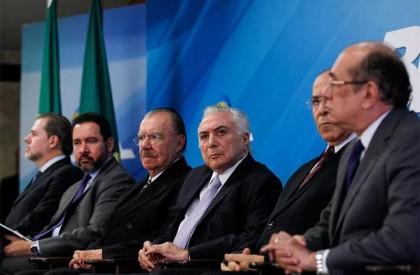 Temer se reúne com Toffoli, Gilmar Mendes e Sarney