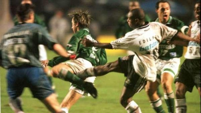 Após 19 anos, Palmeiras e Corinthians se enfrentam em uma final