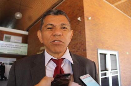 Líder do governo acusa oposição de trabalhar contra empréstimo