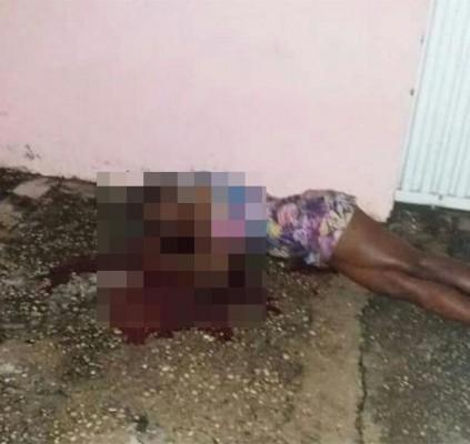 Mulher é executada com seis tiros em...