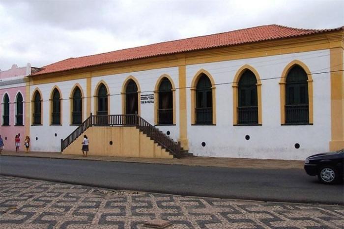 Arte de Cícero Manoel abre temporada de exposições da Casa da Cultura