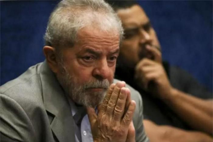 Defesa de Lula entra com pedido de habeas corpus junto ao STJ