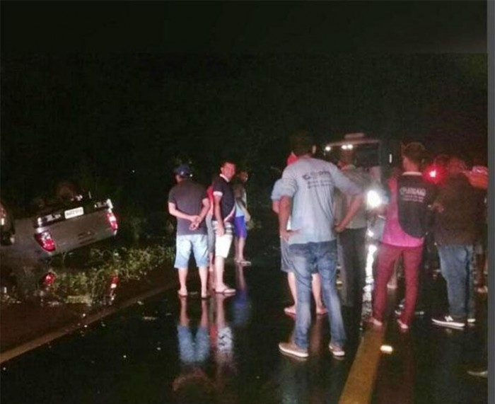 Homem morre afogado após capotar carro na BR-135
