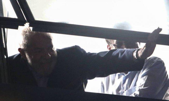 Prazo termina e Lula não se entrega à Polícia Federal