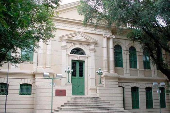 Prefeitura convoca professores, psicólogos e assistentes sociais aprovados em certame