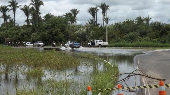 Rodoanel de José de Freitas é interditado devido a água na pista