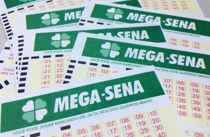 Sorteio da Mega-Sena pode pagar até R$ 6 milhões hoje